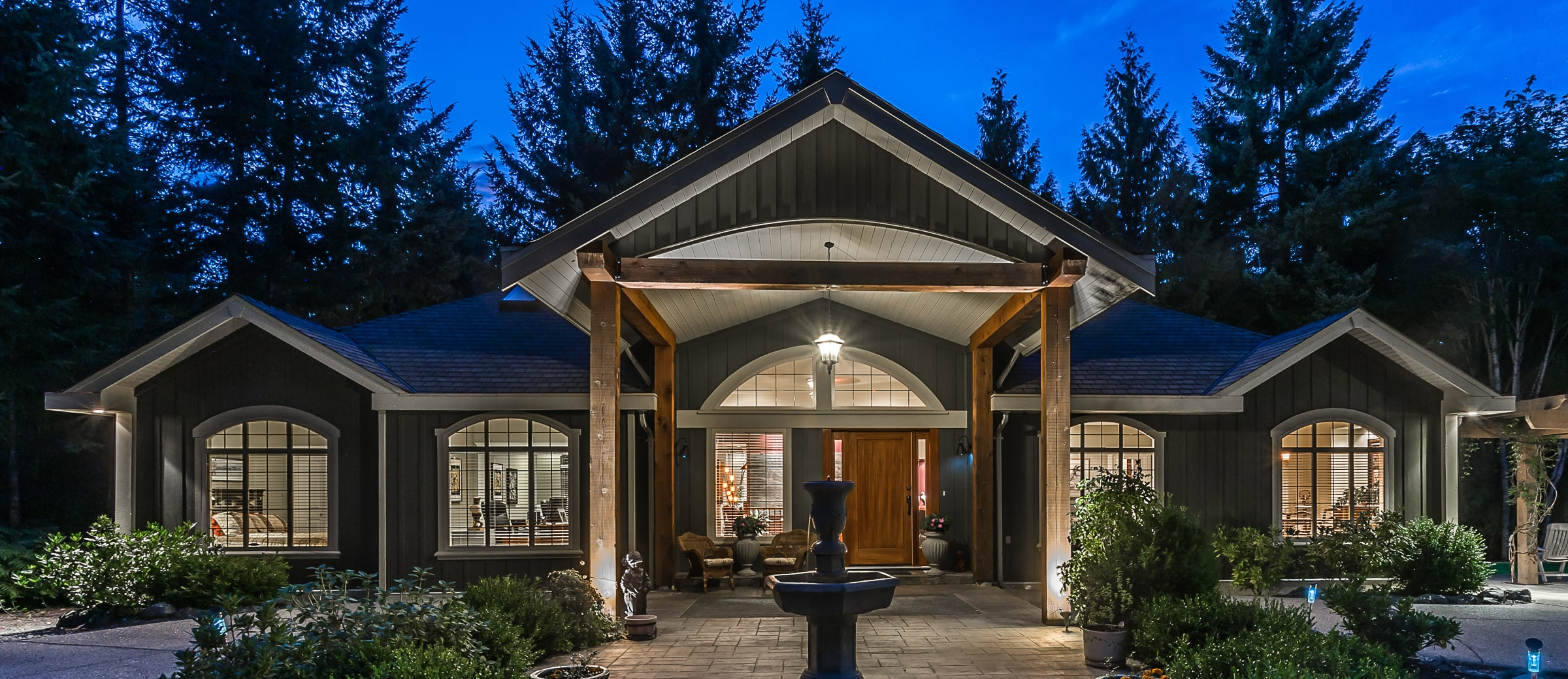 Slideshow Image 0 - Parksville Luxury Homes For Sale